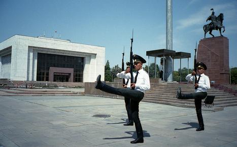 Forum Holga, SX70, pinhole,''''roid... canette ou boite à chaussures; tout le cheap est ici ~ Voir le sujet - Le Kirghizstan en 3 coups de cuiller à pot (+2) | L'actualité de l'argentique | Scoop.it