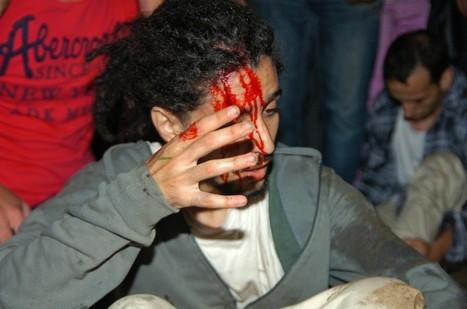 Moroccan police beat up demonstrators protesting king's pardon of Spanish child rapist | Daniel Vino Galvan Case | Scoop.it