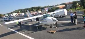 Albi. Un avion en panne atterrit sur la rocade   IP VOUS RECOMMANDE...   Scoop.it