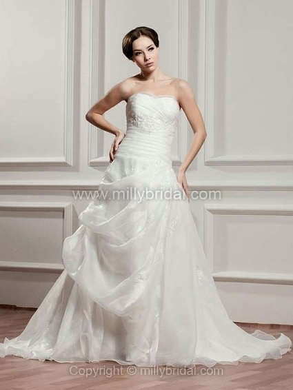 Princess Sweetheart Organza Chapel Train Pick-Ups Wedding Dresses - www.millybridal.com | wedding and event | Scoop.it