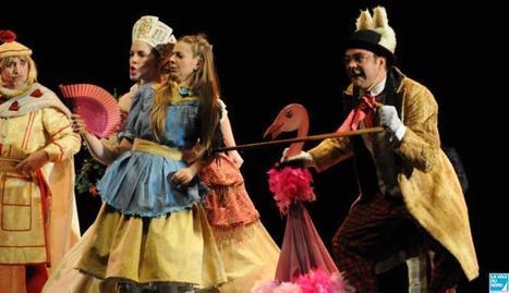 Quand Alice partage son rêve avec le public du Colisée | Alice au pays des merveilles | Scoop.it