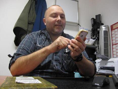 MEDECIN - Roubaix : Christophe Lamarre, ce médecin qui raconte la pauvreté roubaisienne sur Twitter - Lavoixdunord.fr | Mon métier est cité | Scoop.it
