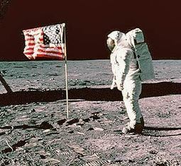 Internet Marketing 101 Walking On The Moon & Welcome To The Show That Never Ends | Curation Revolution | Scoop.it