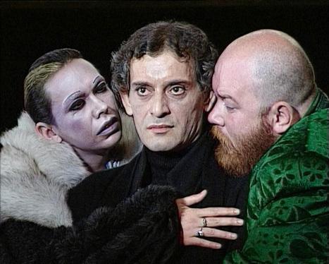 Hamlet, legendarul spectacol cu Adrian Pintea, la TVR 2 | Ziarul Metropolis | Random stuff (music&books&other) | Scoop.it
