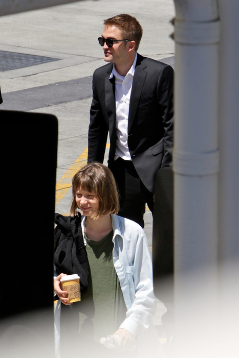 Robert Pattinson and Mia Wasikowska shooting 'Maps to the Stars' in LA today | 'Cosmopolis' - 'Maps to the Stars' | Scoop.it
