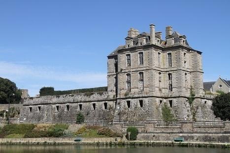 Restauration du château de Quintin | LA #BRETAGNE, ELLE VOUS CHARME - @Socialfave @TheMisterFavor @TOOLS_BOX_DEV @TOOLS_BOX_EUR @P_TREBAUL @DNAMktg @DNADatas @BRETAGNE_CHARME @TOOLS_BOX_IND @TOOLS_BOX_ITA @TOOLS_BOX_UK @TOOLS_BOX_ESP @TOOLS_BOX_GER @TOOLS_BOX_DEV @TOOLS_BOX_BRA | Scoop.it