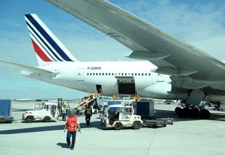 Attentats : fausse alerte à la bombe sur deux vols Air France pour Paris | AFFRETEMENT AERIEN KEVELAIR | Scoop.it