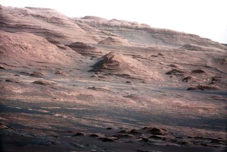 Mars Rover Curiosity's Mount Sharp Road Trip Underway, NASA Says - Huffington Post | Earth in Space | Scoop.it