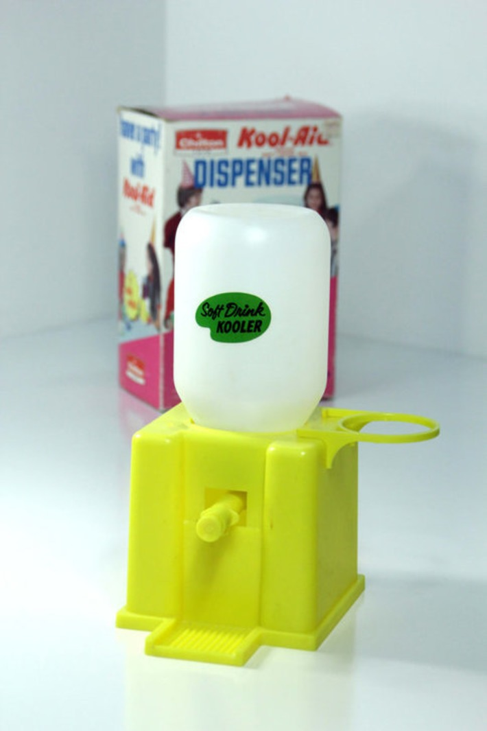 Vintage 1970s Chilton Toys Kool-Aid Brand Soft Drink Dispenser Kooler in Box Kids Koolaid Maker Cooler - Sweet Retro Goodness! | Antiques & Vintage Collectibles | Scoop.it