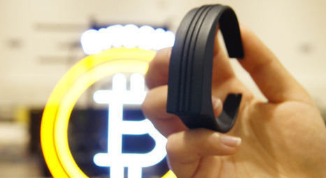 This bracelet lets you flick your wrist to pay with Bitcoin | Business Video Directory | Scoop.it