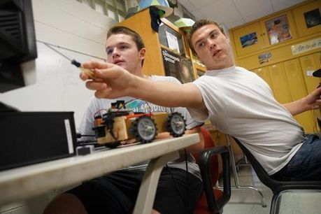 Schools say bye to shop class, hello to maker space   idevices for special needs   Scoop.it