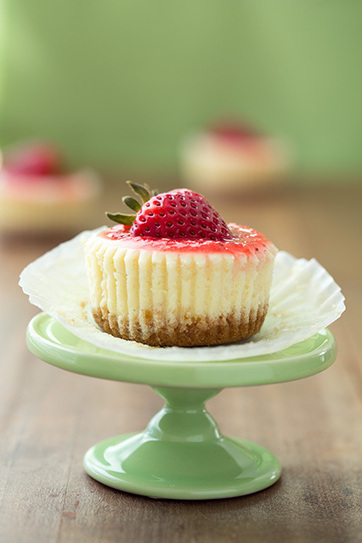 Cheesecake Cupcakes {With Strawberry or Salted Caramel Topping} | Pasión por la Cocina..... | Scoop.it
