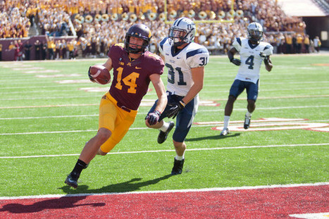 The Minnesota Gophers improve to 2-0 with big win over New Hampshire. | Sports Photography | Scoop.it