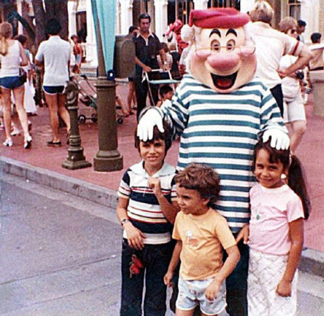 Disney World photo captures couple together 15 years before they met | Toronto Star | Troy West's Radio Show Prep | Scoop.it