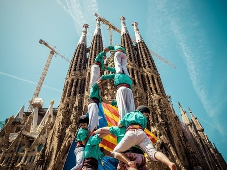 What Does a 36-Foot-Tall Human Tower Have to Do With Catalan Independence? | Catalan Independence | Scoop.it