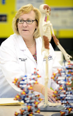 Passion for hands-on science lands woman Teacher of the Year | Pipettes, Calibration and Metrology | Scoop.it