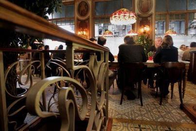 Faire payer les hommes plus cher au restaurant pour dénoncer la discrimination salariale I @Victoire   Citizen Com   Scoop.it