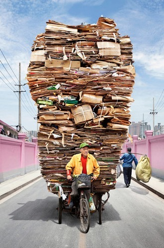 Chinese Workers Carrying Mind-Blowing Amounts Of Stuff... | Art for art's sake... | Scoop.it