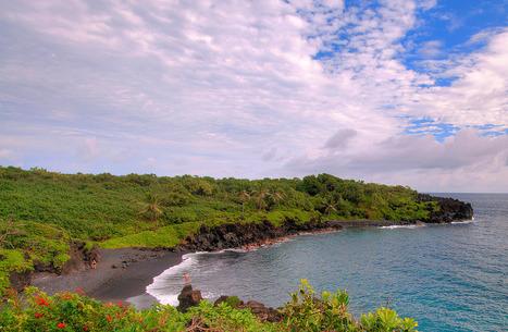 Black Sand Beach, Hana, Maui, HI   ❀ hawaiibuzz ❀   Scoop.it