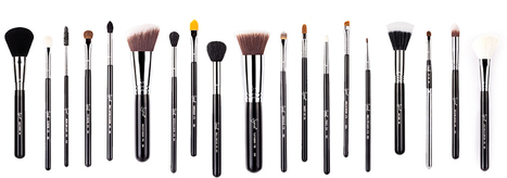 How to Clean Makeup Brushes | Redefining Beauty Australia | Scoop.it