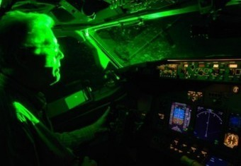 España prohibe usar dispositivos láser cerca a los aeropuertos | Noticias del Sector | Scoop.it