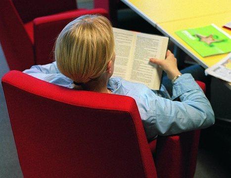 Lukukeskus: Nuoret lukevat Suomessa koko ajan vähemmän | Kirjastoista, oppimisesta ja oppimisen ympäristöistä | Scoop.it