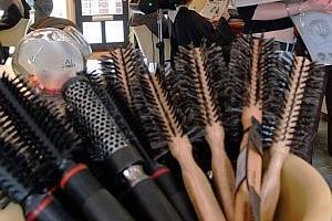 Il cambriole un salon de coiffure mais la coiffeuse le maîtrise et le viole | Mais n'importe quoi ! | Scoop.it