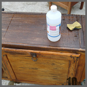 Comment patiner une table de chevet en bois r for Restauration meuble bois