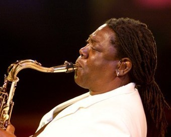 Clarence Clemons Leaves Behind A Holiday Gift With Two New Christmas Songs | #classicrock | Scoop.it