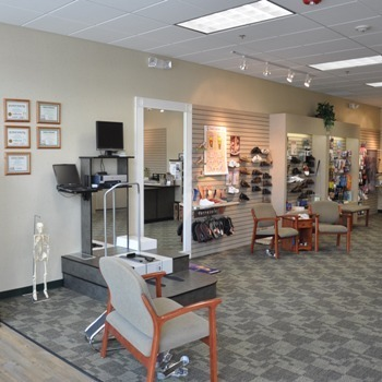 Laura Roberts - Proprietor, Foot Solutions of Hamilton, NJ - (609)581-3668 - Quality Shoes, Arch Supports, Foot Care Accessories | Cup of Coffee Networkers | Scoop.it