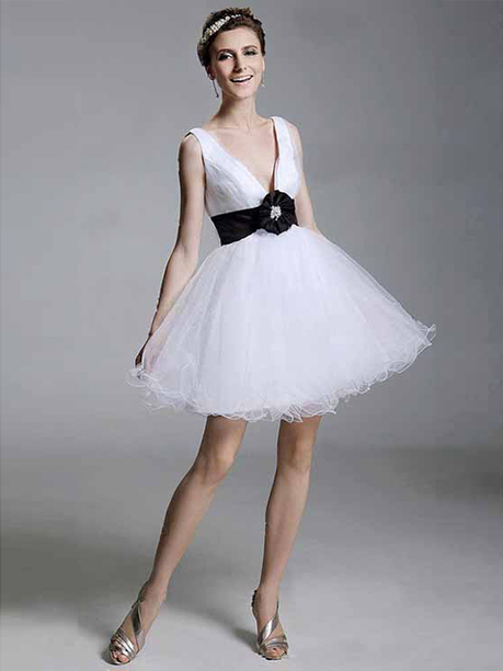 A-line V-neck Tulle Short/Mini Sleeveless Bow Evening Dresses at sweetquinceaneradress.com | SWEET 16 DRESSES | Scoop.it