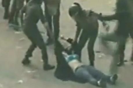 Vidéo : Des manifestants en Egypte se font tabasser par la police ! | Radio Planète-Eléa | Scoop.it
