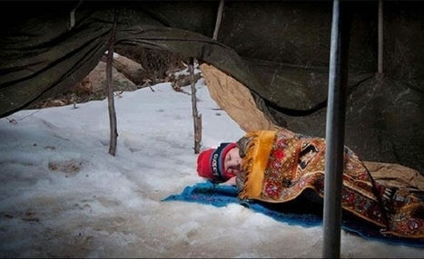 Image of Syrian Child Sleeping on Snow Stirs Reaction | The Muslim World Review | Scoop.it