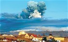 "Icelandic volcano: hundreds forced to abandon plans as ash cloud forces more flight cancellations | ""World Travel"" info 世界旅行の情報 