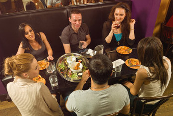 Crowd-sourced online reviews help fill restaurant seats, study finds | Hospitality reputation | Scoop.it