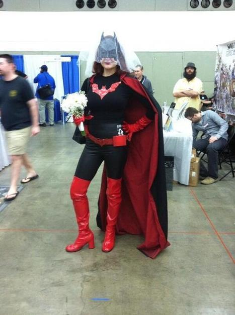 Twitter / amy_geek: Batwoman cosplay with a veil ... | Geek Topics | Scoop.it