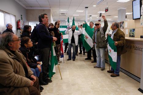 Unos 150 miembros del Sindicato de Trabajadores ocupan la oficina del SAE   Noticias de Ronda   Scoop.it