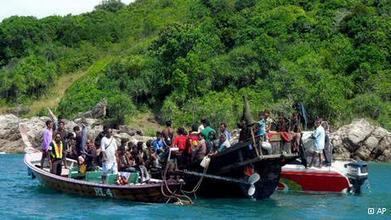 Scores of Rohingyas seek refuge in Thailand | Asia | DW.DE | 13.02.2013 | Children of the Mekong | Scoop.it