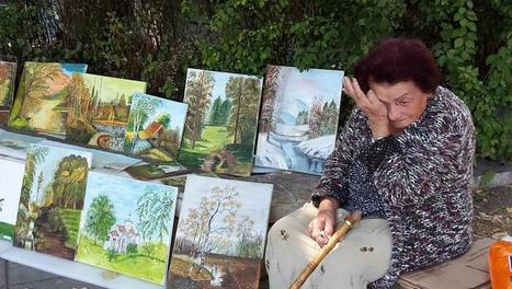 2016: στη νεοφιλελεύθερη Βουλγαρία 92χρόνη πουλάει πίνακες για να ζήσει | gatoulos | Scoop.it