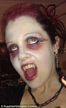 A Brisbane make-up artist has claimed she is a blood-drinking vampire | Xposed | Scoop.it