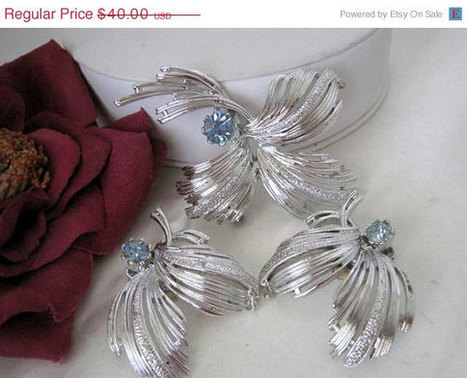 Emmons Aqua Rhinestone Pat Pend Brooch Set | Vintage Jewelry and Fashions | Scoop.it