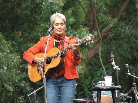 Joan Baez diffuses right wing protest at Idaho concert | This Gives Me Hope | Scoop.it