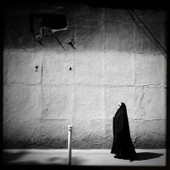 'Light and shadows on the streets of Tehran' by Mohsen Chinehkesh | Excell GCSE Force | Scoop.it