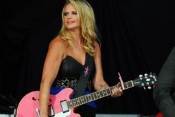 Six-Year-Old Fan Propels Miranda Lambert to Help Shelter, Adopt Puppy in Need | Country Music Today | Scoop.it