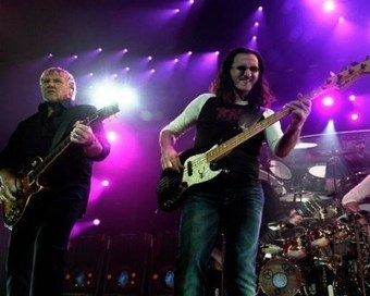 Rush Hurry to Fix 'Sectors' Box Set Production Flaws | #classicrock | Scoop.it