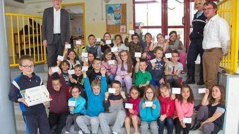 Vingt-neuf élèves ont reçu leur permis piéton | L'école Cousteau dans la presse et sur internet... | Scoop.it