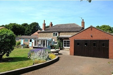 £275k Property of the Week: Wellsgate, Back Street, Alkborough - This is Scunthorpe | Wood bridge sheds | Scoop.it