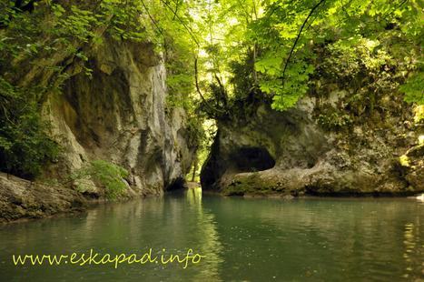 TOPO : Les sentiers oubliés des gorges de la Nesque (84) | Topo et fiche de randonnée à pied by eskapad | Scoop.it
