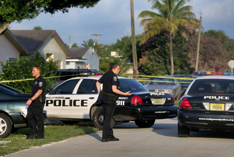 After gunfire, police find 2 bodies on front lawn in Hollywood - Sun-Sentinel | CLOVER ENTERPRISES ''THE ENTERTAINMENT OF CHOICE'' | Scoop.it