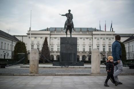 Les Inrocks - En Pologne, la résistance au pouvoir ultraconservateur s'organise | Union Européenne, une construction dans la tourmente | Scoop.it